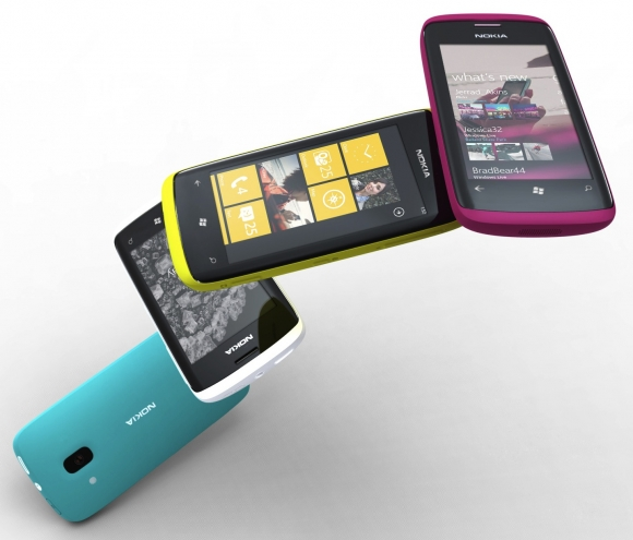 Despiden a funcionario de Microsoft por tweets sobre Windows Phone y Nokia